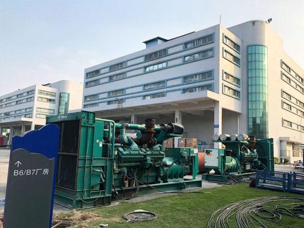 濮阳某电子厂出租两台800KW康明斯发电机
